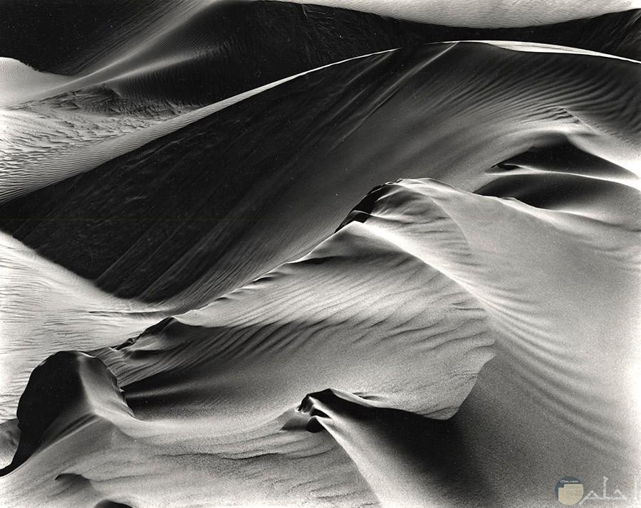 صورة حلوة جدا لجبال من رمل فى الصحراء