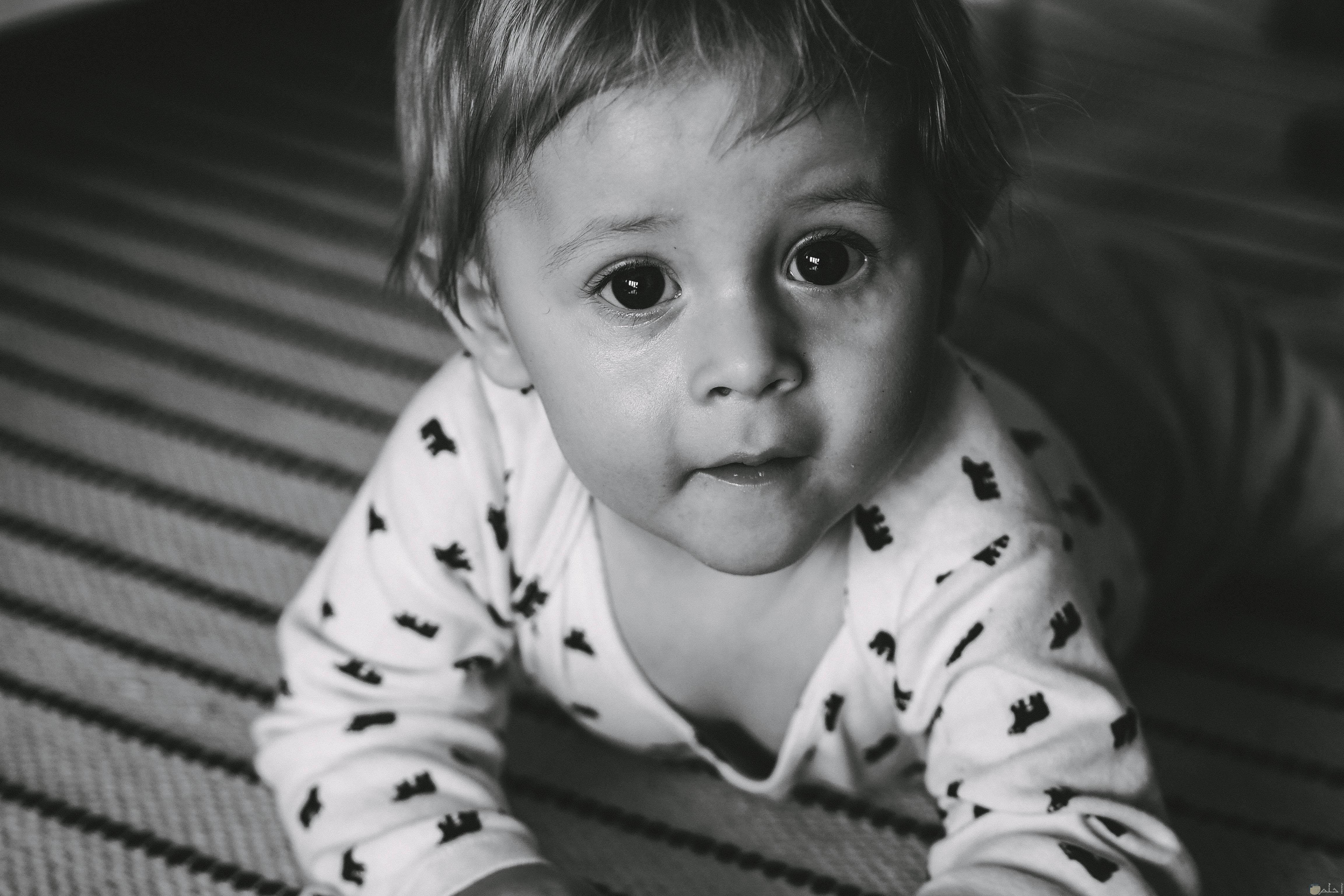 نظرة طفل بريئه