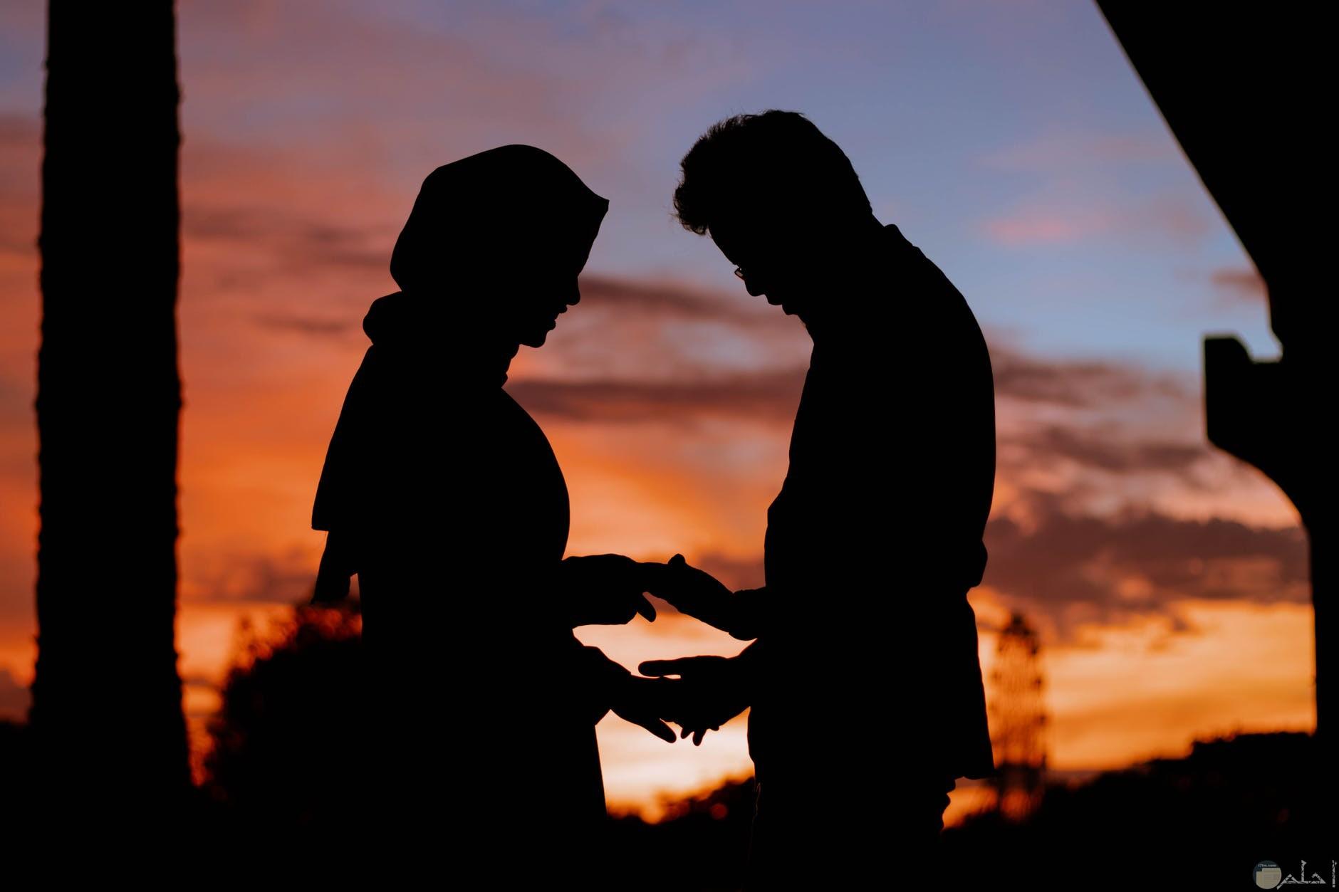 صور حب رومانسية وقت الغروب
