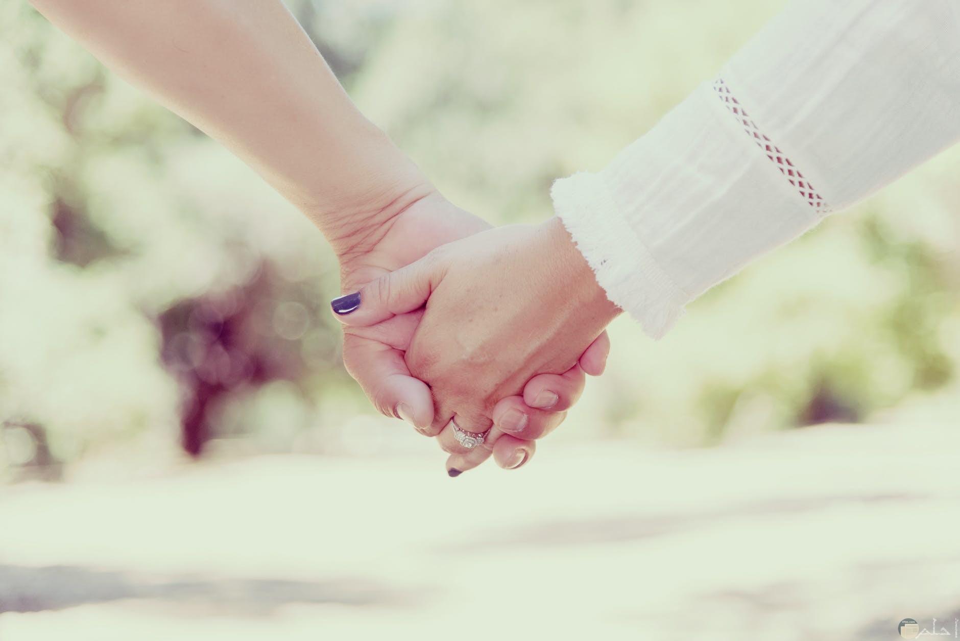 رومانسية جميلة بين الأزواج