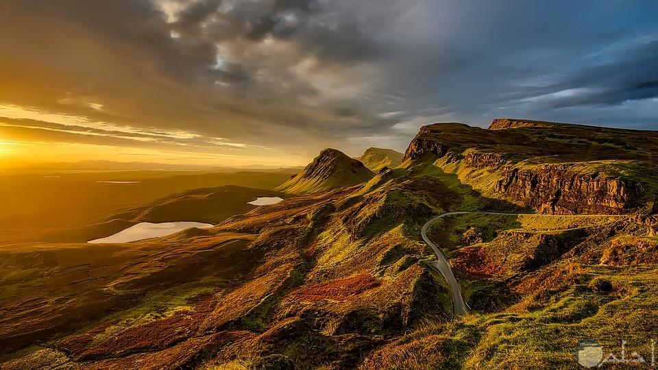 صورة لجبال ومنحدرات طبيعية رائعة