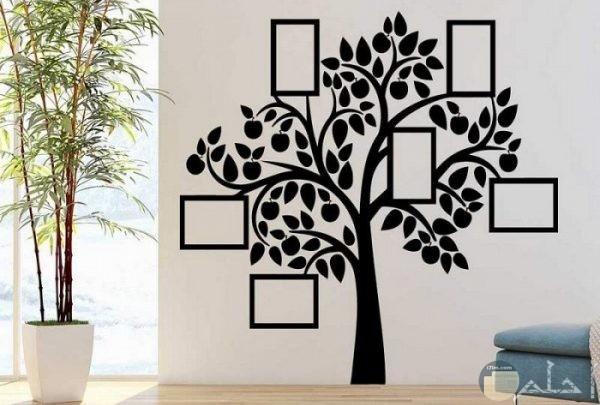 رسمة شجرة علي الحائط