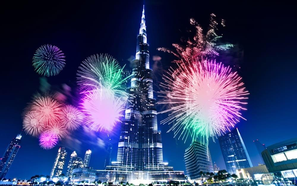 العاب نارية في برج خليفة