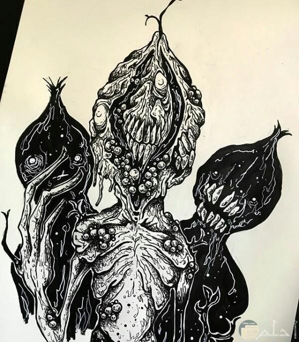 صورة رسمة مخيفة لأحد الرسامين عبارة عن ثلاث كائنات مرعبة بأجسام غريبة