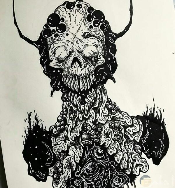 صورة رسمة مخيفة لأحد الرسامين عبارة عن شخص برأس مرعب وله قرنين مع جسم غريب