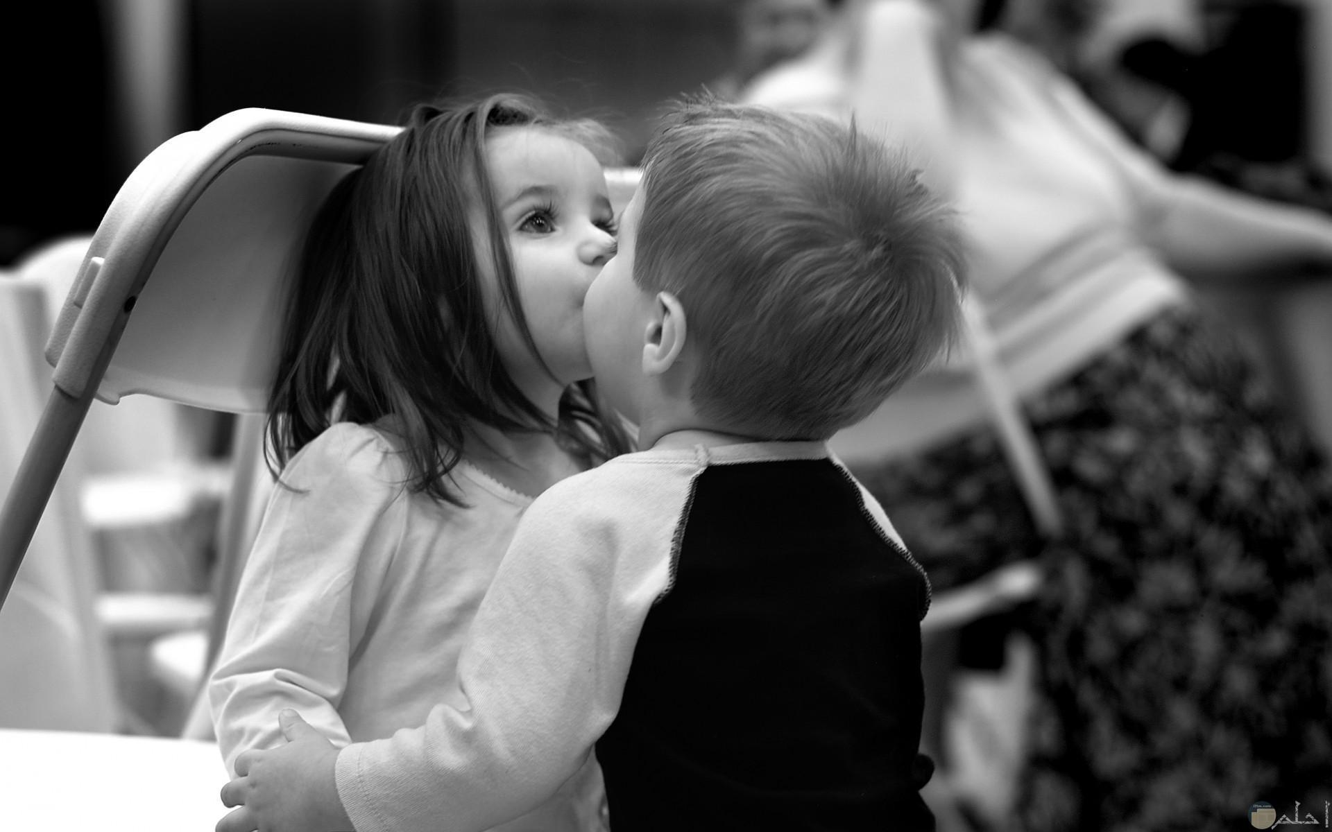 صورة اطفال رومانسية روعة