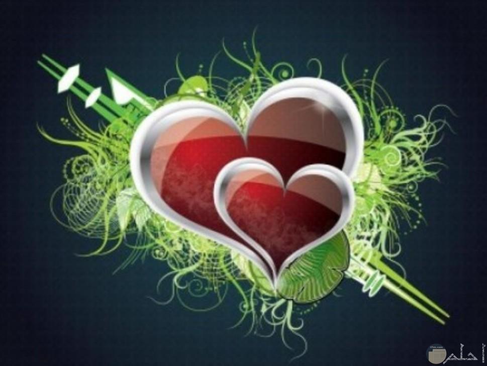 قلبين باللون لاحمر