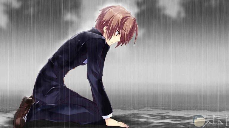 ولد حزين يبكي