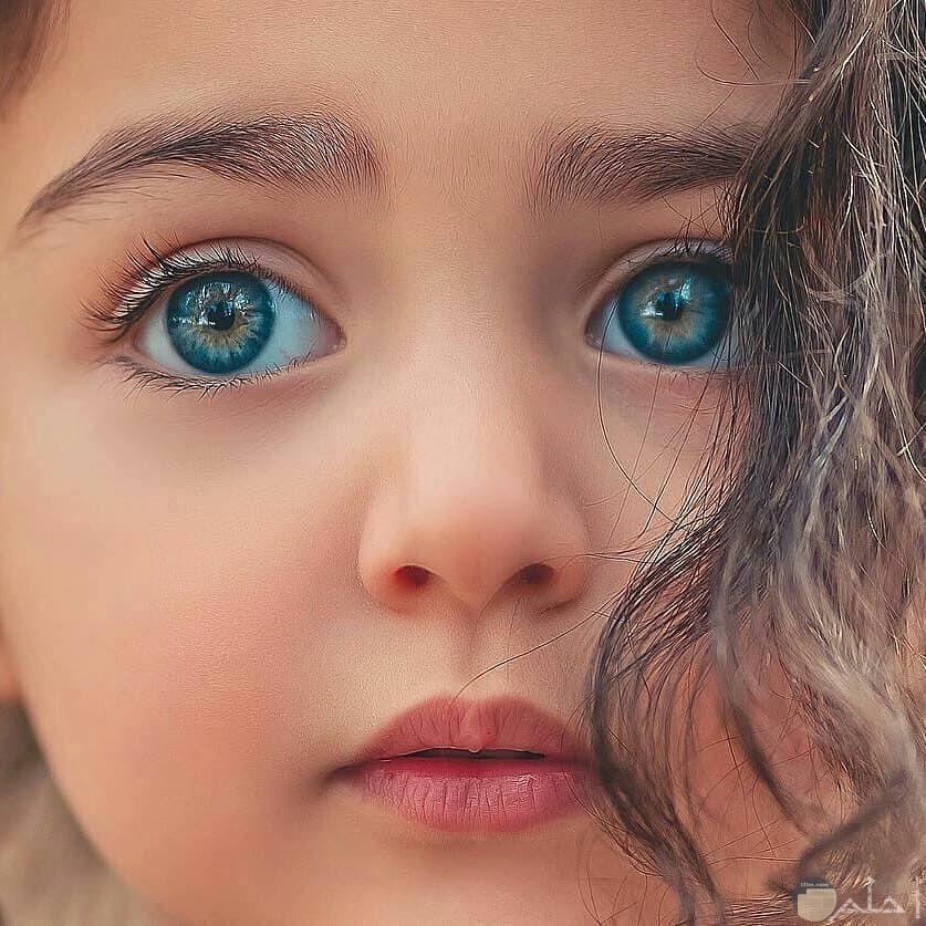 صورة بنت في عينيها حزن دفين
