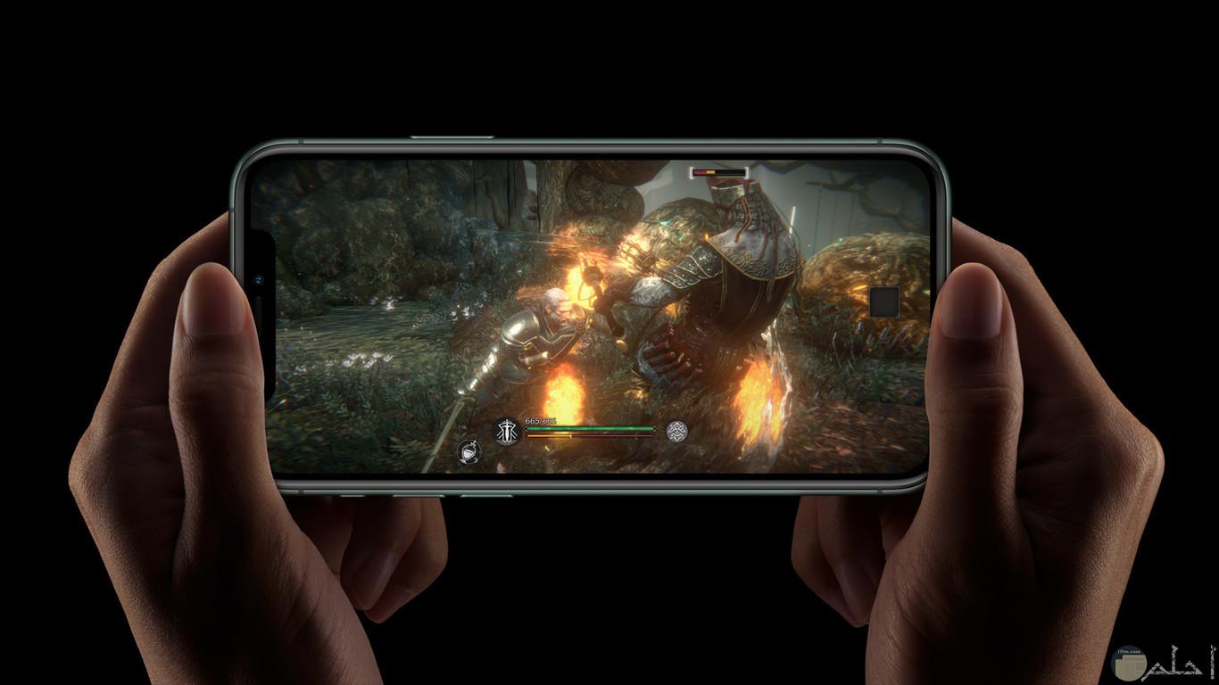 هاتف محمول بشاشة تكنولوجيا HD.
