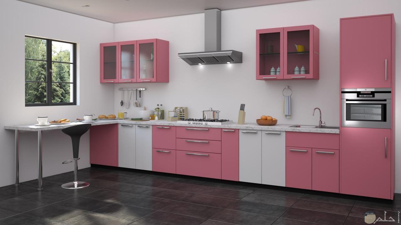 مطبخ رقيق من اللون الزهري