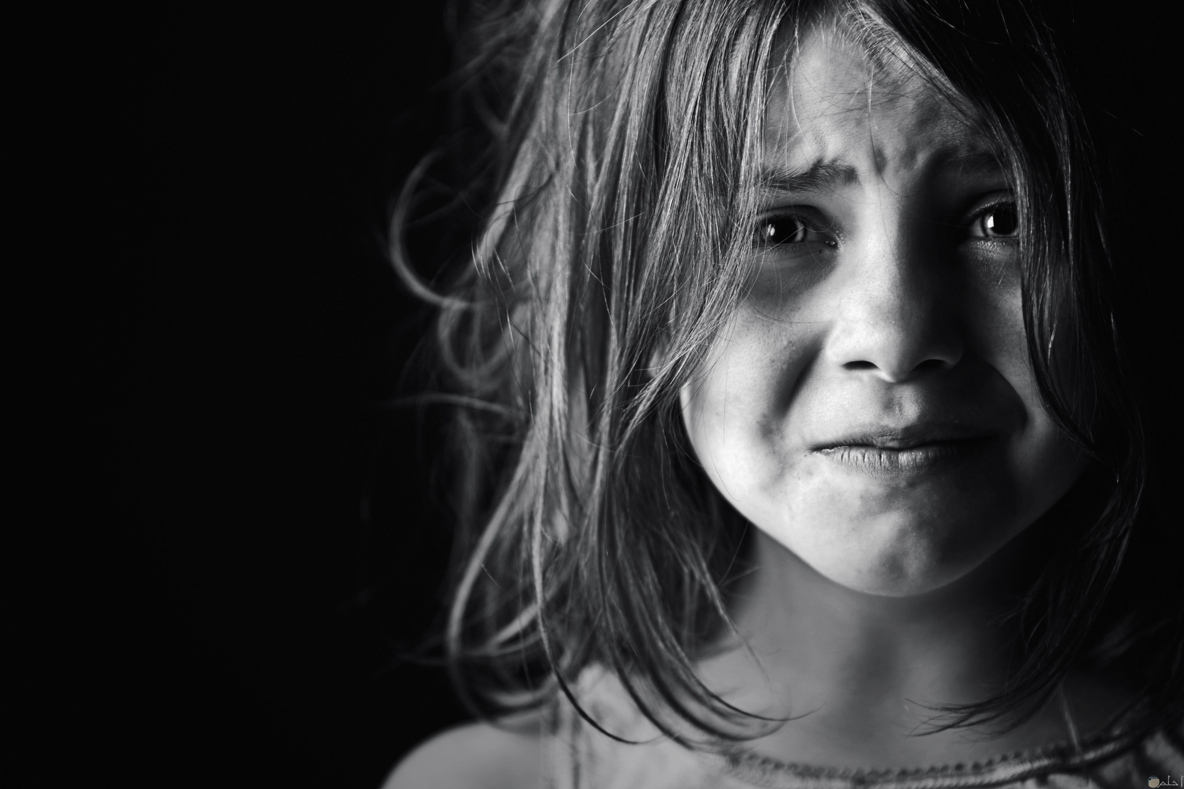 صور اطفال يغمرهم الحزن