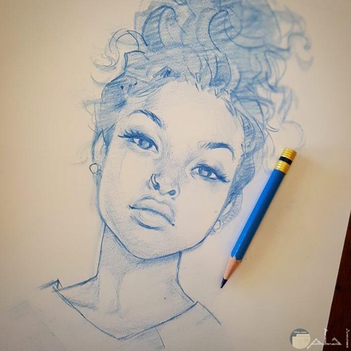 فتاة افريقية جميلة