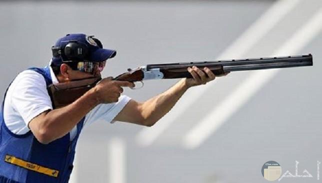 صورة سلاح ولاعب رماية