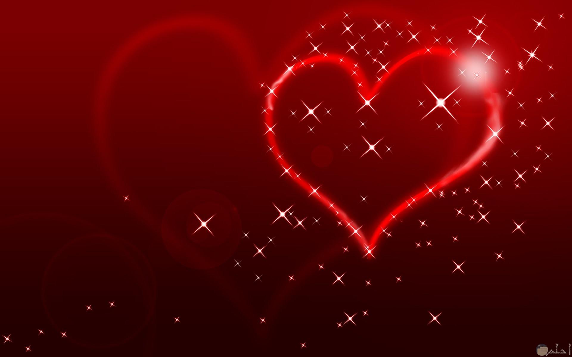 قلب احمر ونجوم صورة تعبر عن الاحتفال بالحب