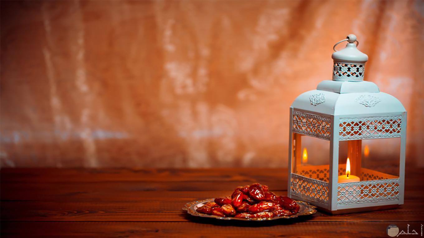 خلقية رمضانية بلح وفانوس