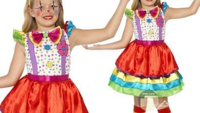 صورة طفلة جميلة ترتدي زي مهرج