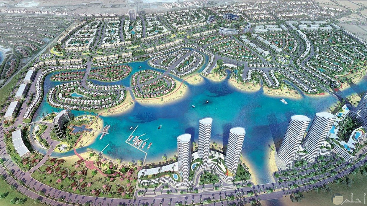 مدينة العلمين الجديدة بمحافظة مرسى مطروح الساحل الشمالي لمصر.