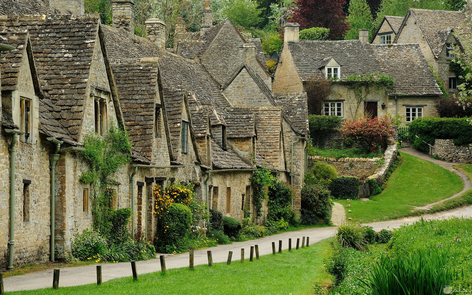 بيوت في ريف انجلترا.