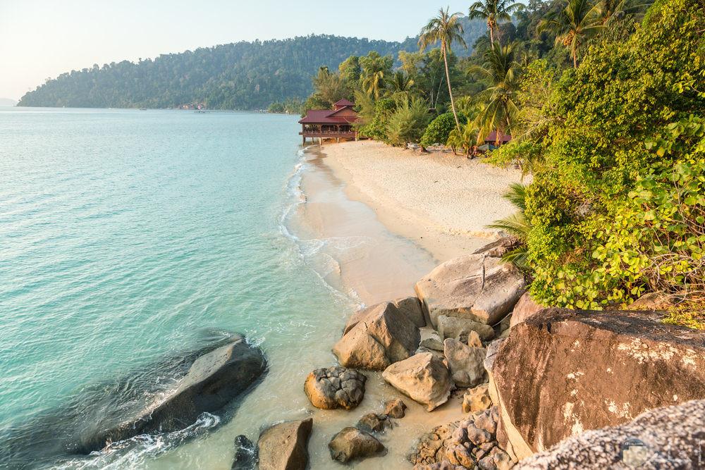 معالم سياحية جزيرة-تيومان