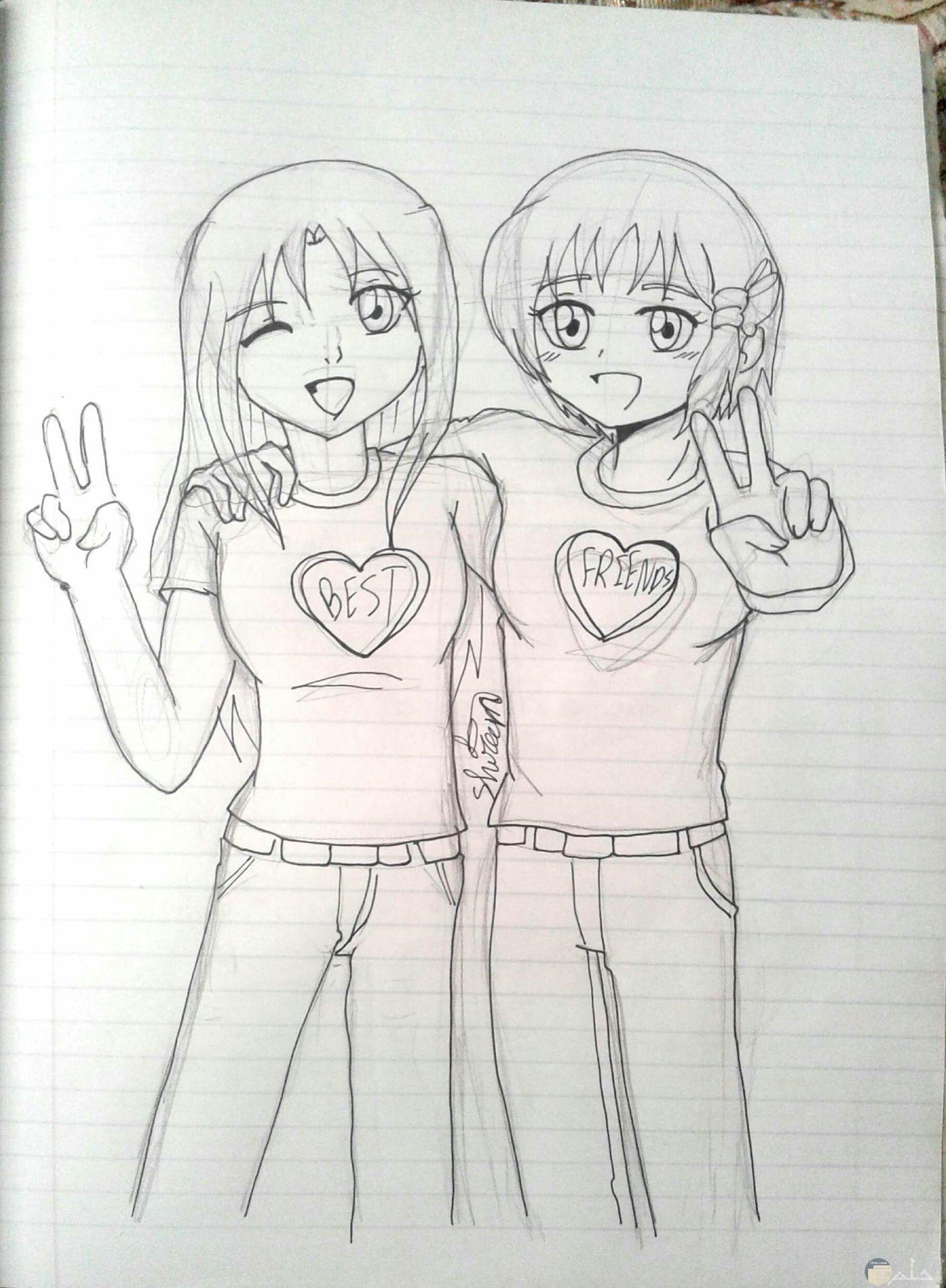 رسمة انيمي مرسومة باليد لبنتين و على ملابسهما رسمة قلب.