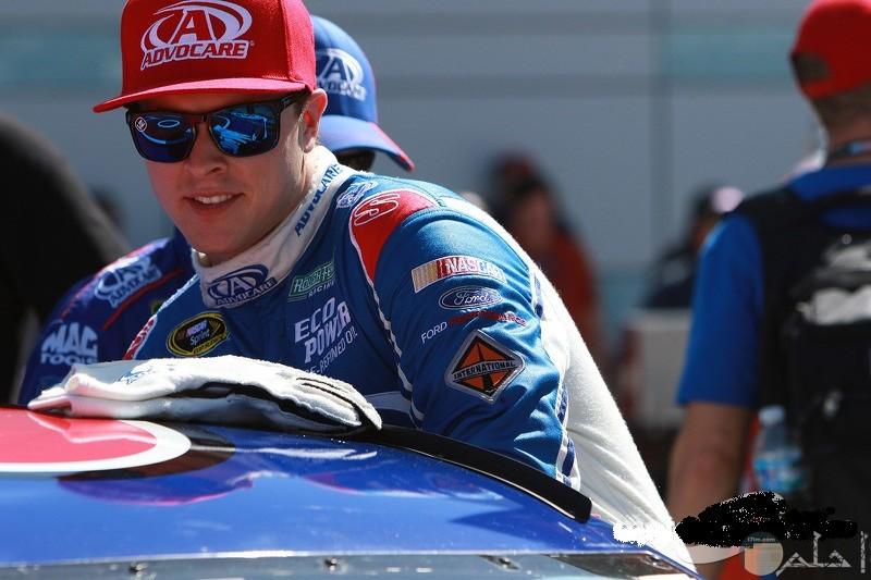 جنون السرعة و سباقات السيارات- شباب روشة و مجنونة.