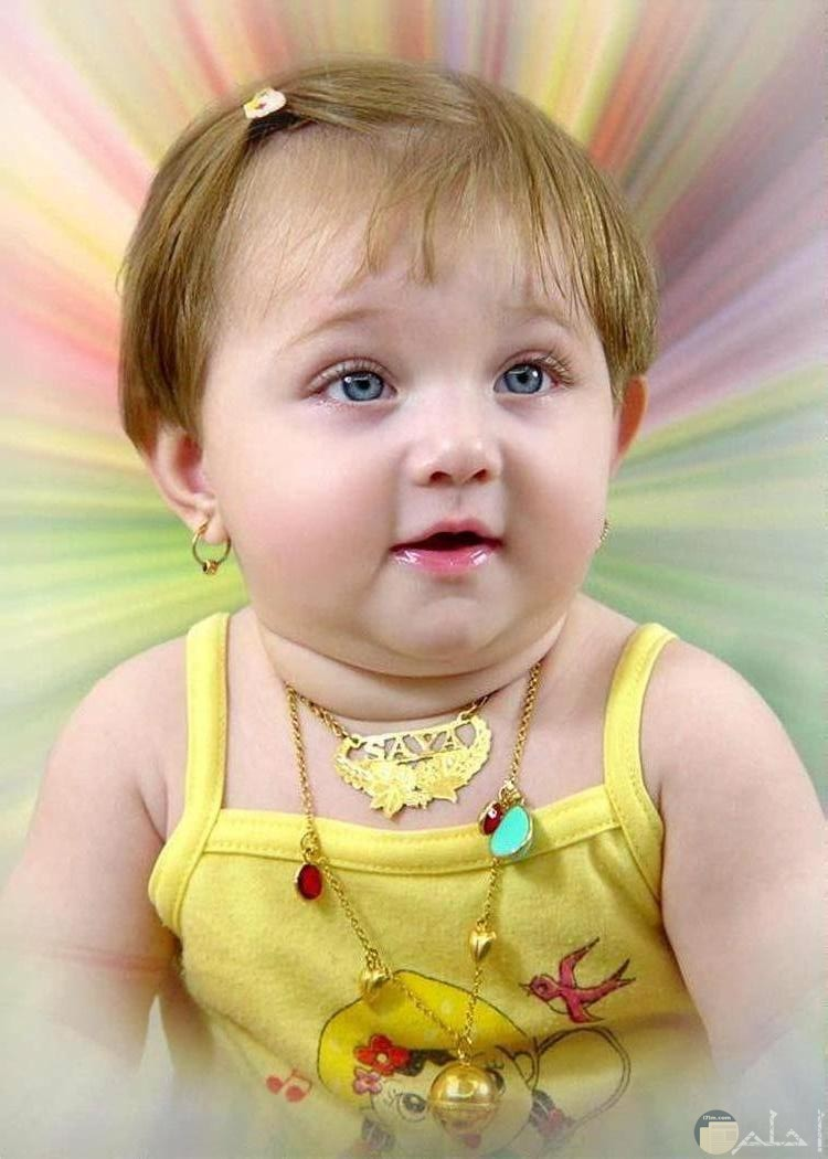 بنت جميلة بشعر بني جميل.