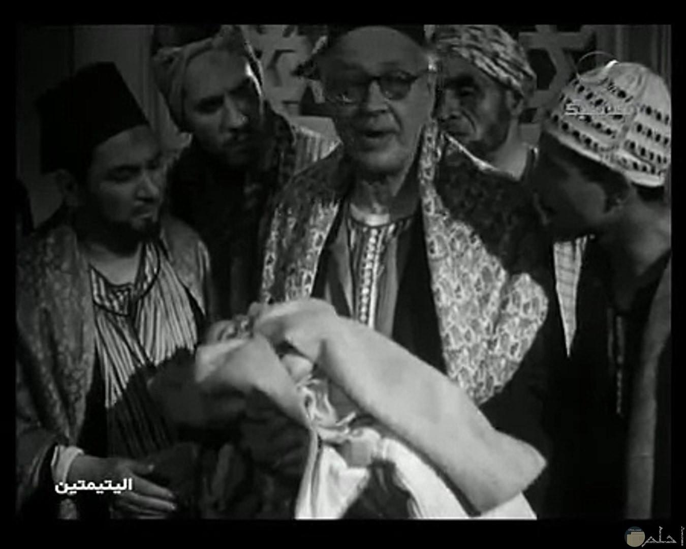 فيلم اليتيمتين.