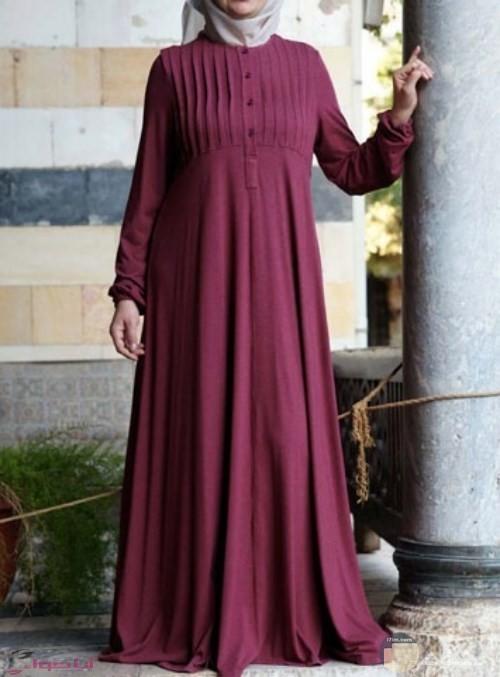 فستان عنابي جميل