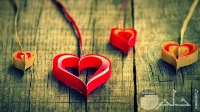 خلفية قلوب حب جميلة و رقيقة.