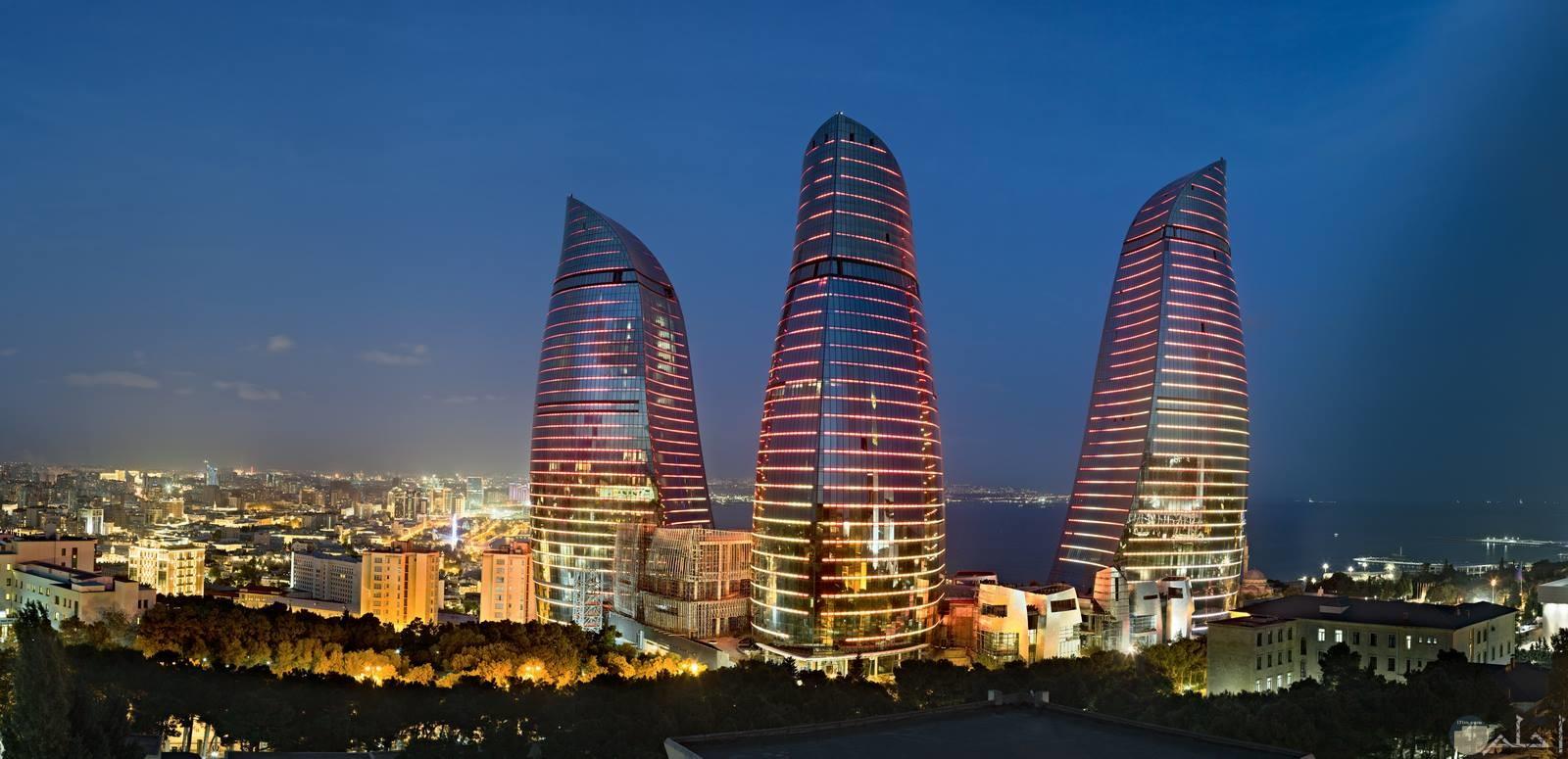 مدينة باكو في جمهورية أذربيخان الموجودة في أوراسيا.