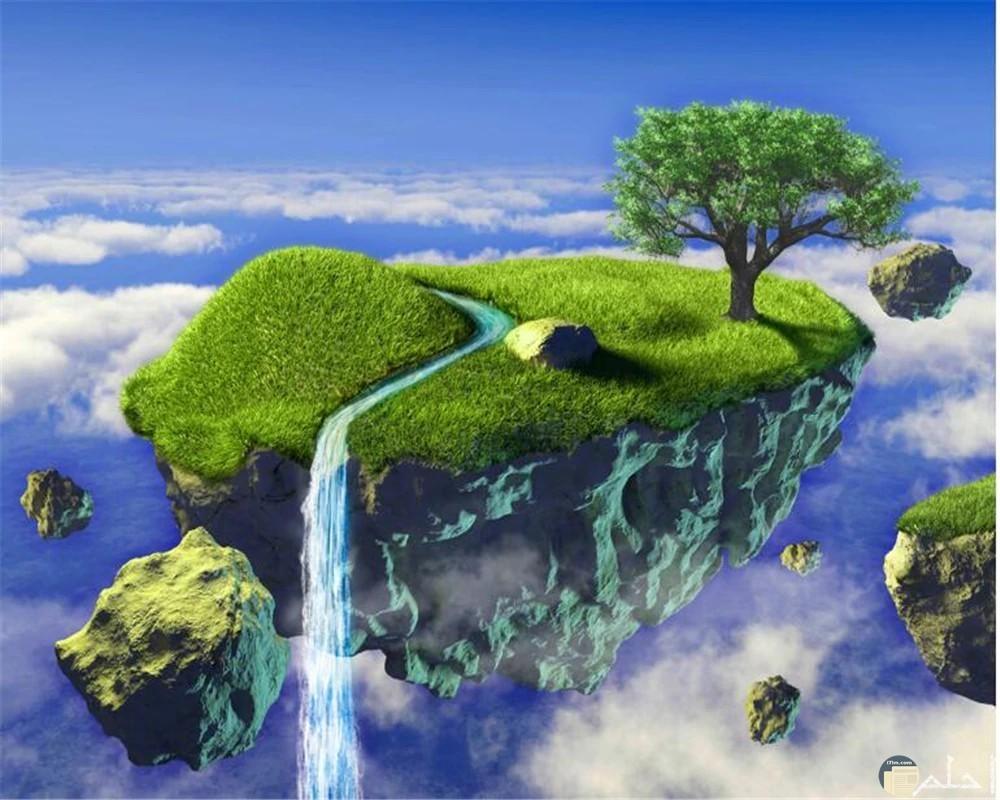 منظر خرافي لجزيرة أو أرض معلقة في الهواء و السماء و الغيوم قريبة منها و نهر صغير يجير و ينزل منها.