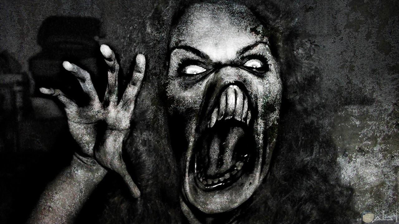 صورة مخيفة لسيدة تشبة الوحوش
