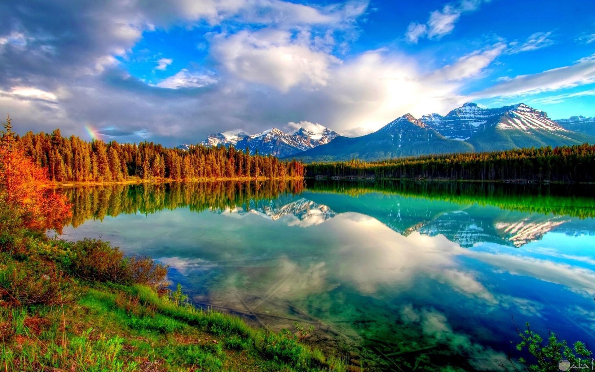 من اروع مناظر الطبيعة بحيرة رائعة جدا