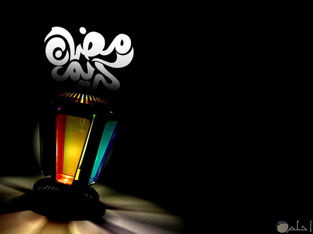 رمضان كريم - خلفية سوداء.