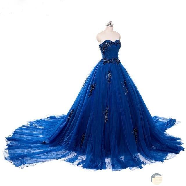 فستان أزرق بدون حمالات منفوش لحفلات الخطوبة.