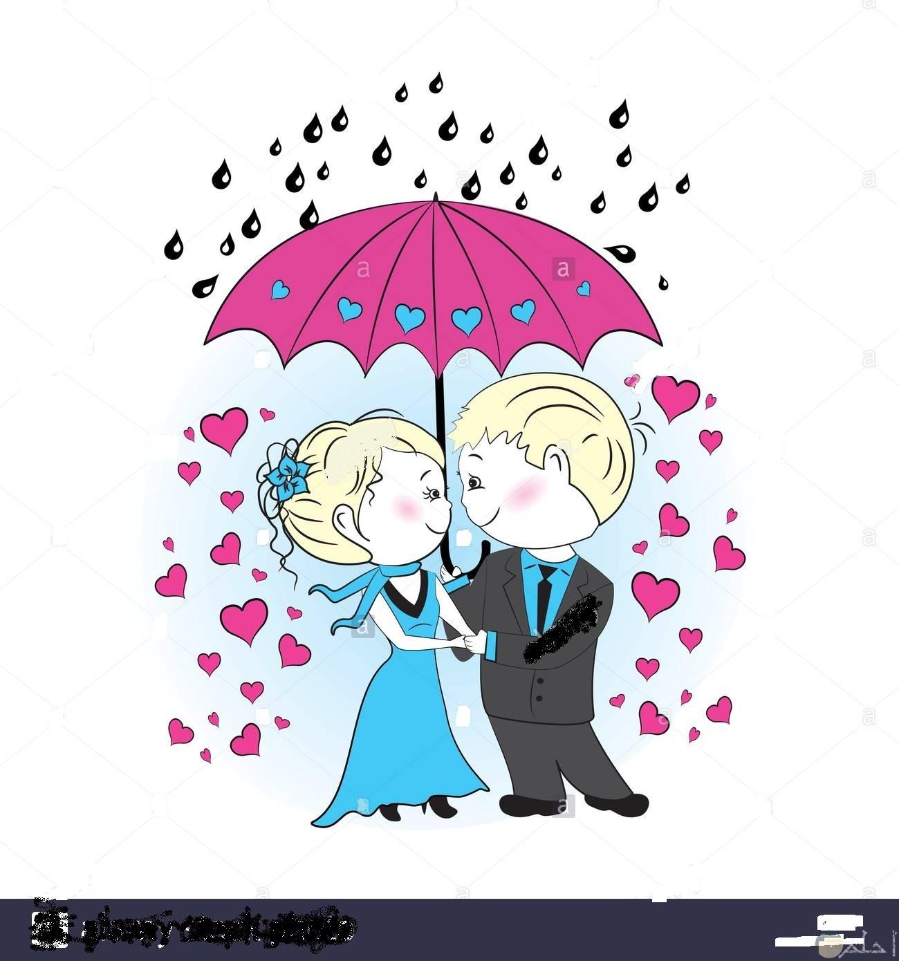 الرومانسية الرائعة تحت المطر.