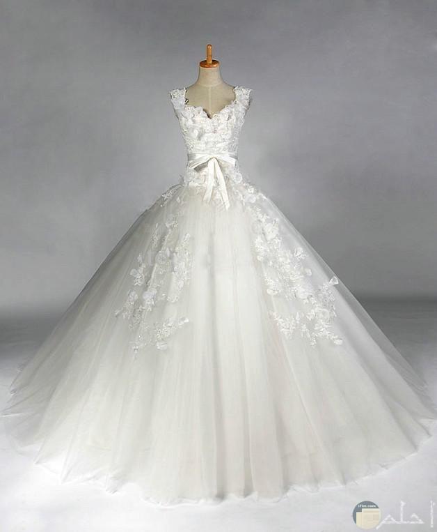فستان أبيض للعروسة جديد.