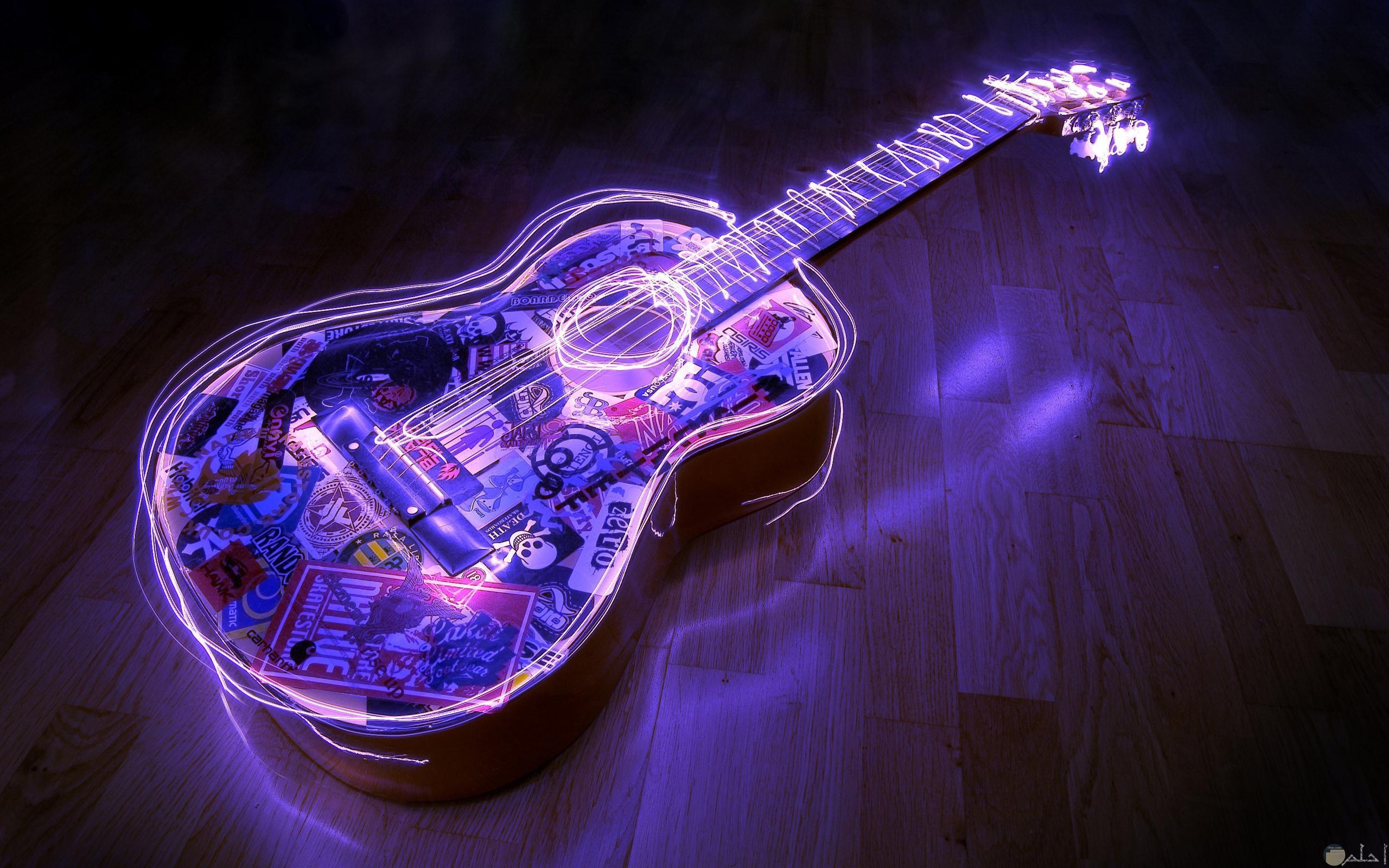 العزف على أوتار المشاعر.