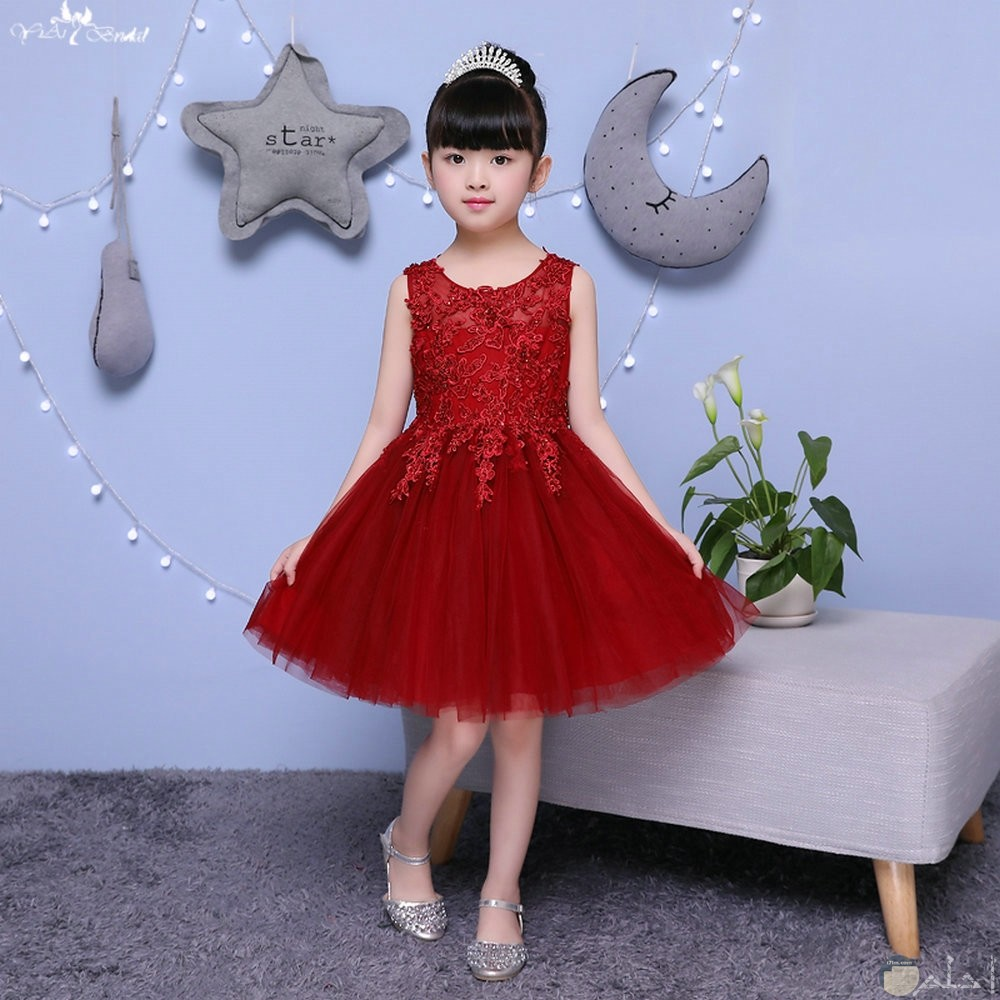 فستان لونه حمر رائع