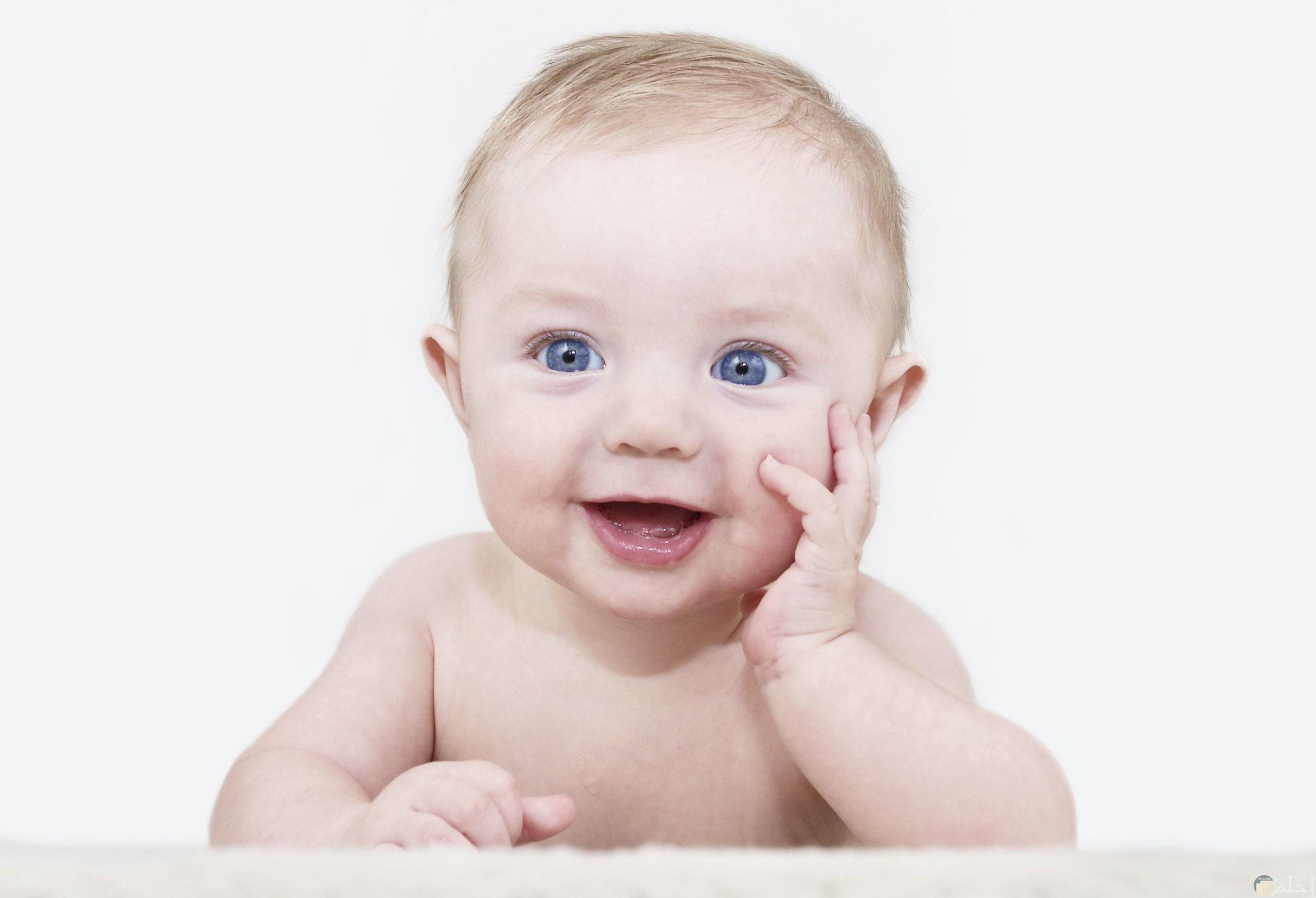 طفل رضيع ماشاء الله جميل اوى