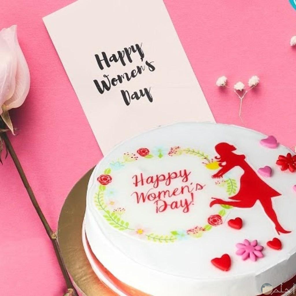 تورتة ملونة مكتوب عليها Happy women's day