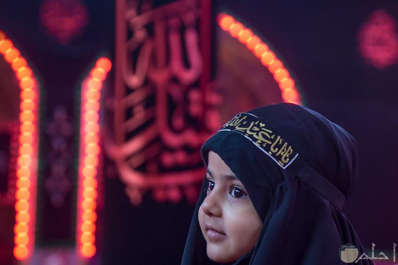 جميلة وصغيرة بالحجاب الاسمر
