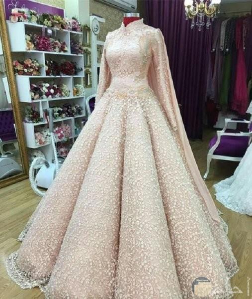 فستان ذهبي للخطوبة