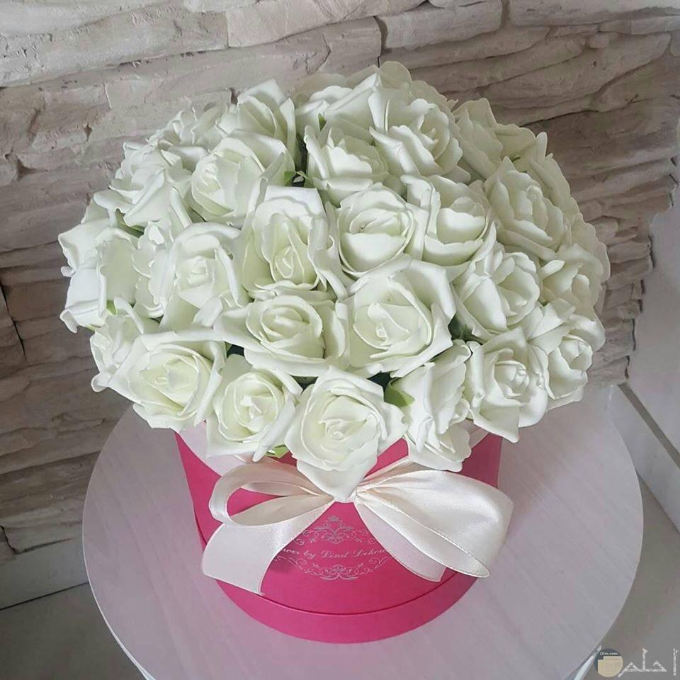 باقة من الزهور البيضاء