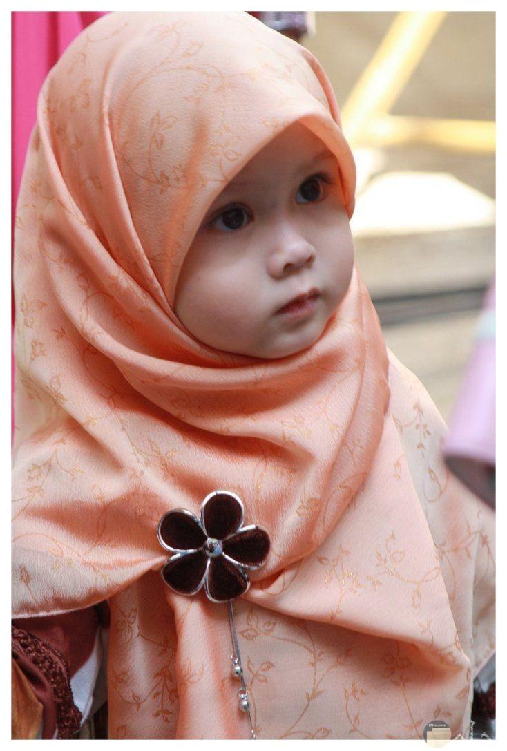 حجاب كيوت مع اكسسوار جميل.