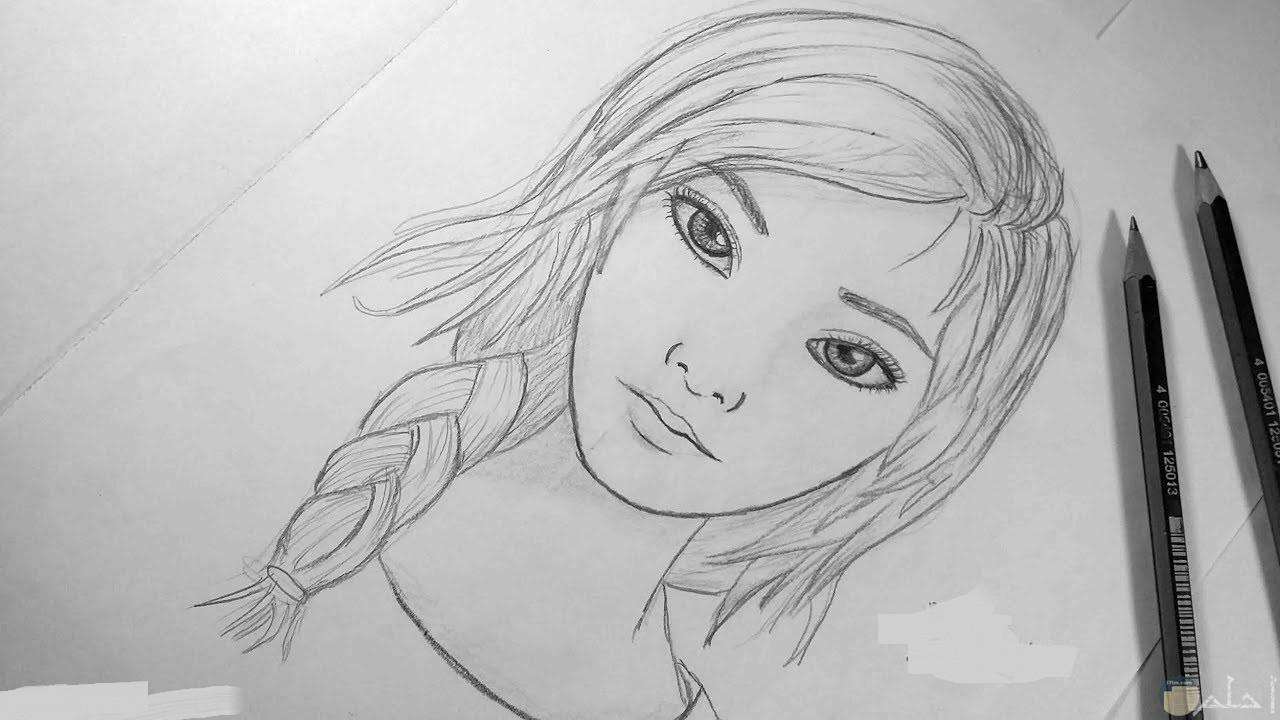 صورة فتاة رسمت بالرصاص.