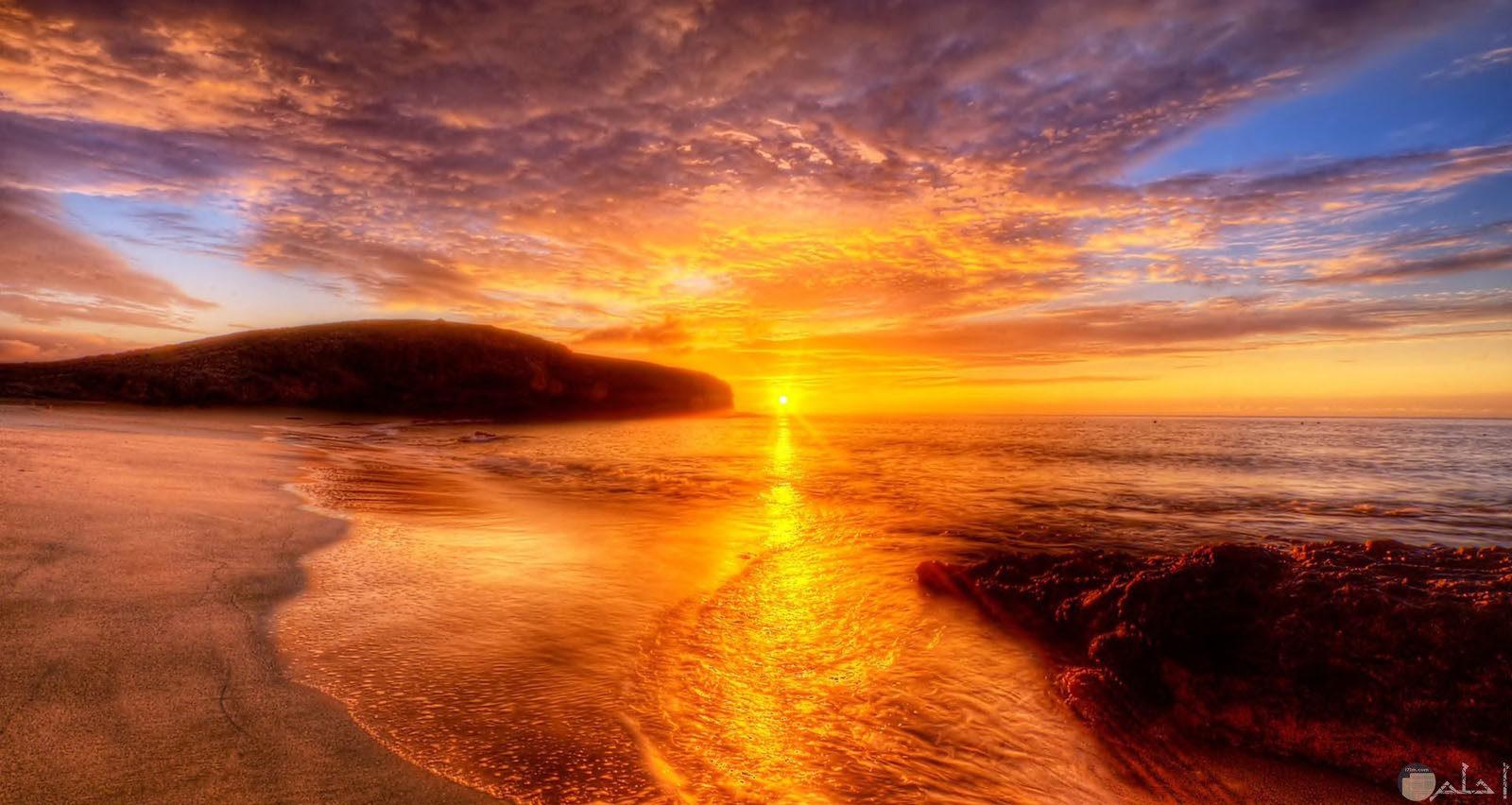 صورة شروق الشمس الذهبية.