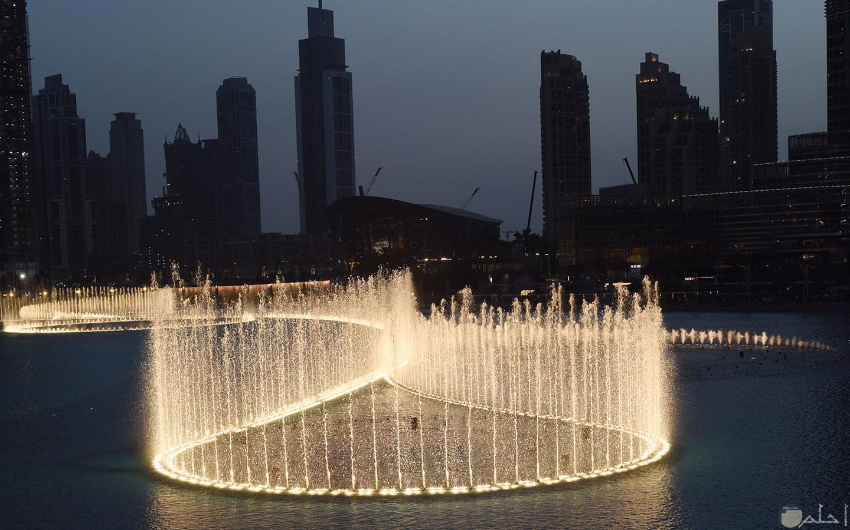 النافورة الراقصة فى الامارات العربية المتحدة.