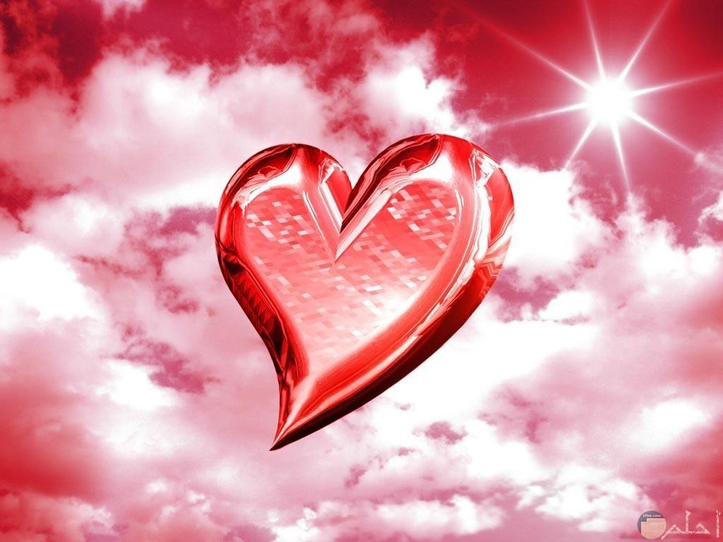 قلب يطير فى السماء و خلفيته فيس بوك.